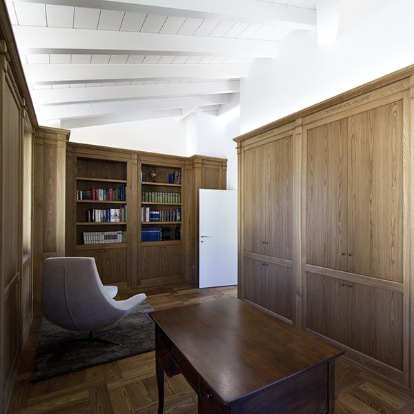 Arredamento d'interni in legno di olmo - Corazzolla
